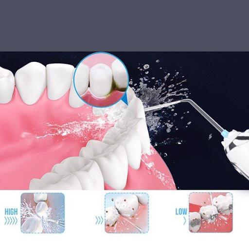 Vệ sinh răng miệng bằng tăm nước