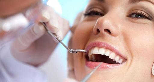Hướng dẫn cách chăm sóc và vệ sinh sau khi bọc răng sứ