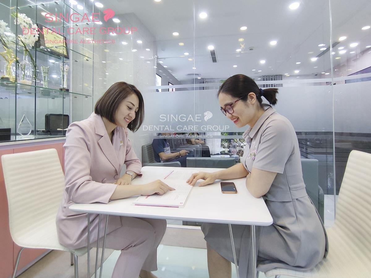 Tại phòng khám khách hàng được nhân viên tư vấn riêng trong phòng khép kín